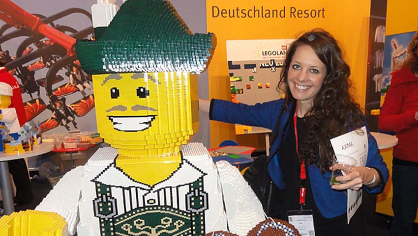 Klara Jebe als Online-Redakteurin auf einer Messe-Veranstaltung